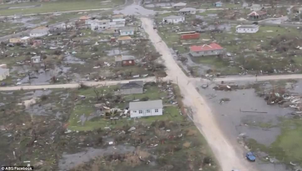 """Âm thanh lạ đáng sợ khi siêu bão """"quái vật"""" tràn qua Caribe - 2"""