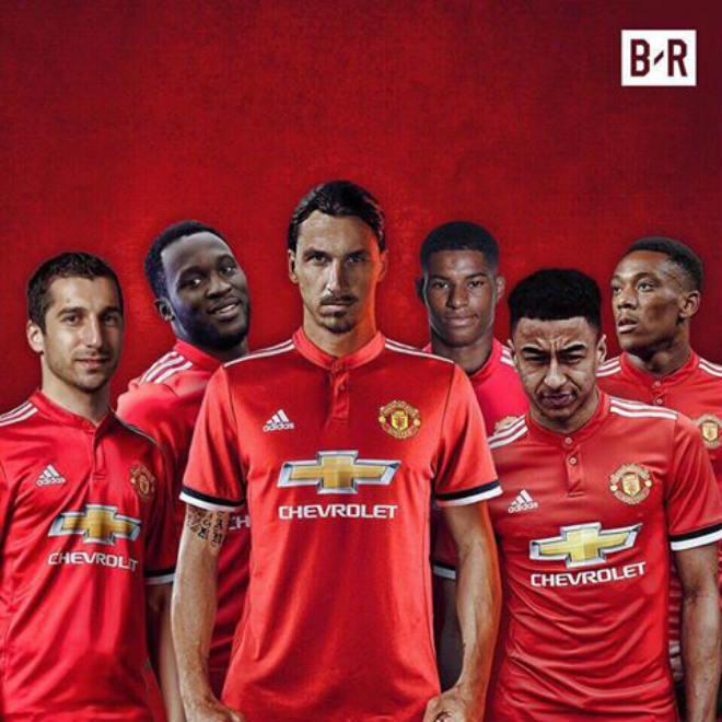 MU: Ibra trở lại, Mourinho có hàng tấn công mạnh nhất lịch sử? - 1