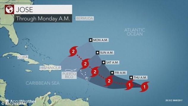 Cảnh 3 siêu bão Đại Tây Dương đáng sợ bao vây nước Mỹ - 3