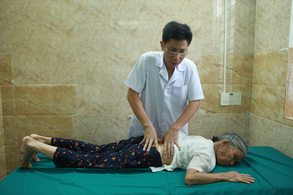 Thực hư cách cấy chỉ hỗ trợ điều trị bệnh xương khớp hiện nay - 2