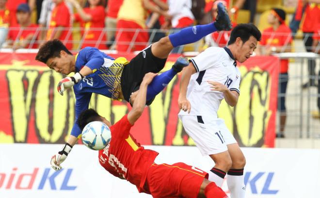 Thủ môn U18 Việt Nam: Thêm 1 pha ngớ ngẩn như Phí Minh Long - 1
