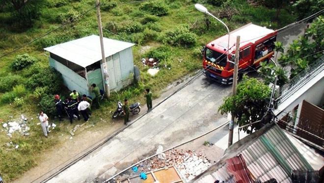 Hiện trường đổ nát trong vụ cháy khiến 3 cảnh sát thương vong - 4