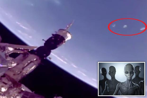 Cánh cổng ngoài hành tinh xuất hiện gần trạm vũ trụ ISS? - 1