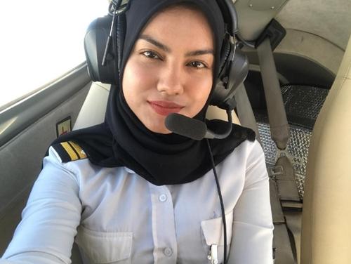 Rụng tim với 3 nữ phi công xinh đẹp khác nào hoa hậu - 8