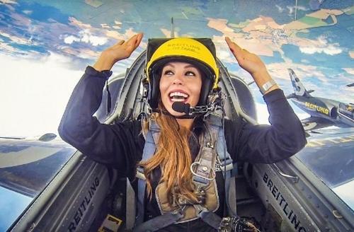 Rụng tim với 3 nữ phi công xinh đẹp khác nào hoa hậu - 5
