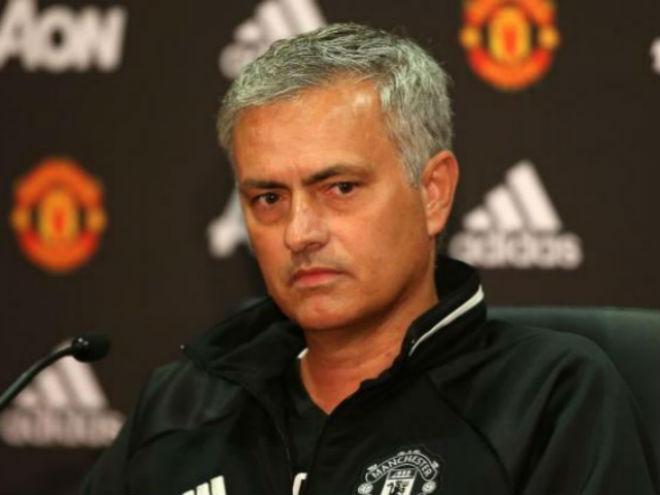 MU họp báo đấu Stoke: Mourinho vỗ ngực tự khen sức mạnh - 1