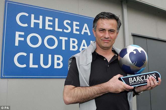 """Mourinho giúp MU thăng hoa 3 trận thắng vẫn thua """"kẻ học việc"""" - 2"""