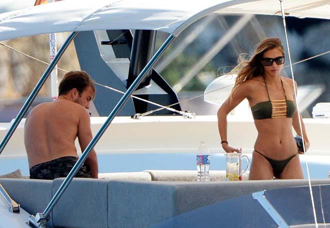 Bồ xinh SAO tuyển Đức mặc bikini đẹp nóng bỏng, cánh mày râu phát hờn - 3
