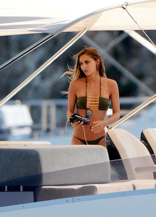 Bồ xinh SAO tuyển Đức mặc bikini đẹp nóng bỏng, cánh mày râu phát hờn - 8