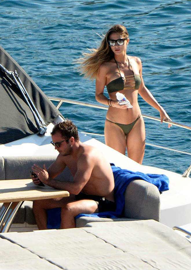 Bồ xinh SAO tuyển Đức mặc bikini đẹp nóng bỏng, cánh mày râu phát hờn - 9