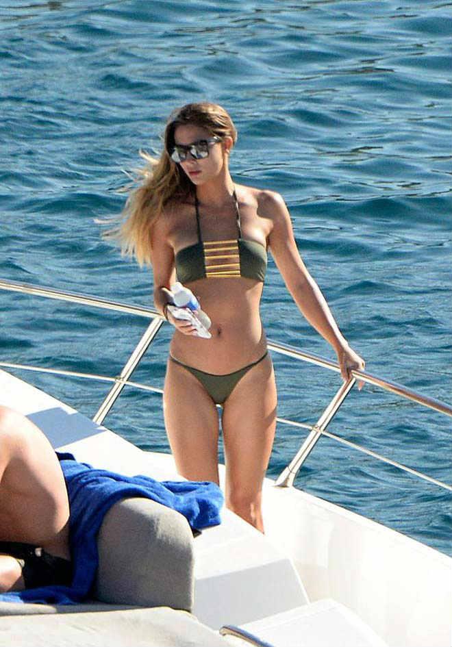 Bồ xinh SAO tuyển Đức mặc bikini đẹp nóng bỏng, cánh mày râu phát hờn - 4
