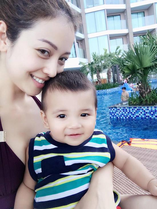 """Jennifer Phạm, vợ Lý Hải...3, 4 con vẫn đẹp """"đốn tim"""" đấng mày râu - 12"""
