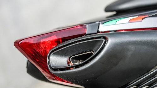 2018 Aprilia Dorsudoro đủ sức đấu Ducati Hypermotard - 3