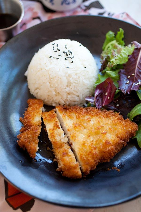 Đổi bữa với thịt gà cốt lết kiểu Nhật giòn rụm bé thích mê - 1