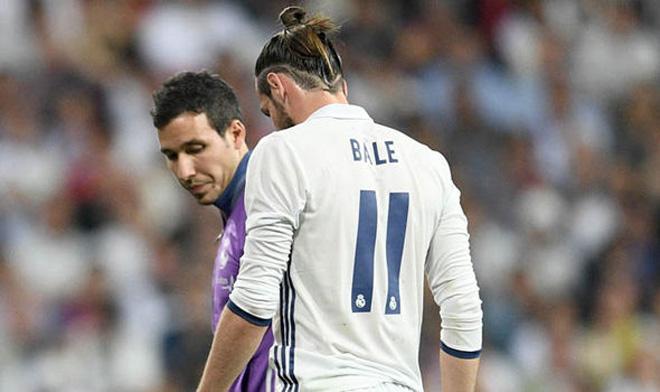 """Bỏ lỡ 3 cơ hội ngon ăn, Bale """"chân gỗ"""" khiến fan Real phát điên - 1"""