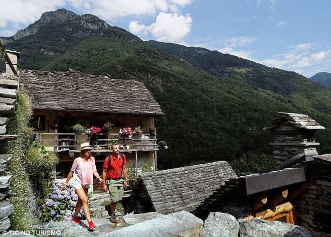 Ngôi làng Thụy Sĩ khốn khổ vì không có trẻ em - 2