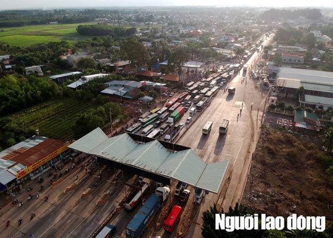 Toàn cảnh trạm thu phí BOT Biên Hòa xả trạm - 1
