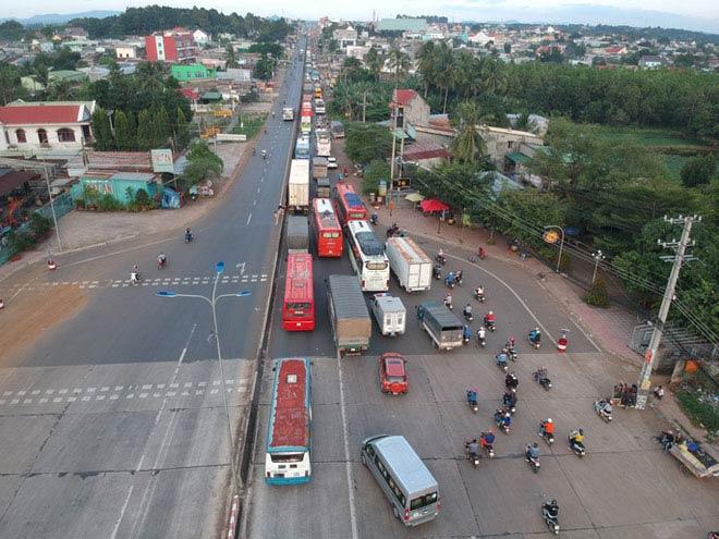Toàn cảnh trạm thu phí BOT Biên Hòa xả trạm - 6
