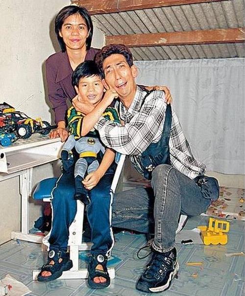 Cuộc sống chật vật của sao nam xấu nhất màn ảnh Hong Kong - 6