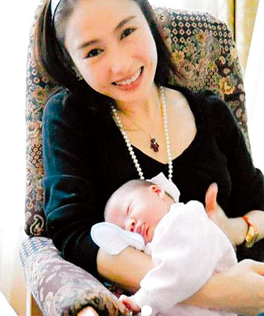 """Gia thế khủng của tỷ phú khuyết tật """"thu phục"""" đệ nhất mỹ nữ TVB - 5"""