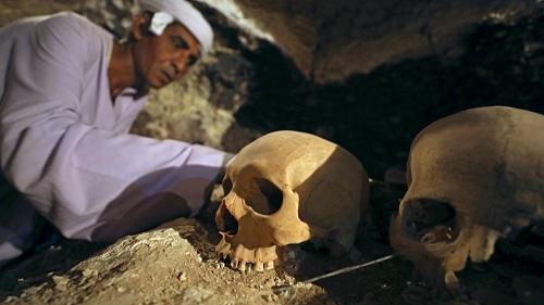 Phát hiện mộ Ai Cập 3.500 năm chứa đầy xác ướp, trang sức - 5
