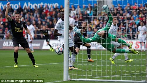 Chi tiết Swansea - Newcastle: Bất lực mất 3 điểm (KT) - 4