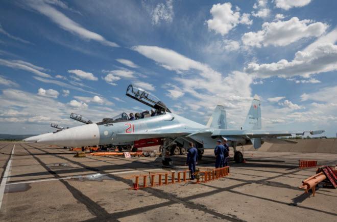 11 hình ảnh ấn tượng về chiến đấu cơ Su-30SM mới nhất của Nga - 1