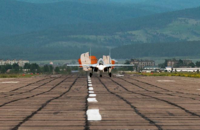 11 hình ảnh ấn tượng về chiến đấu cơ Su-30SM mới nhất của Nga - 10