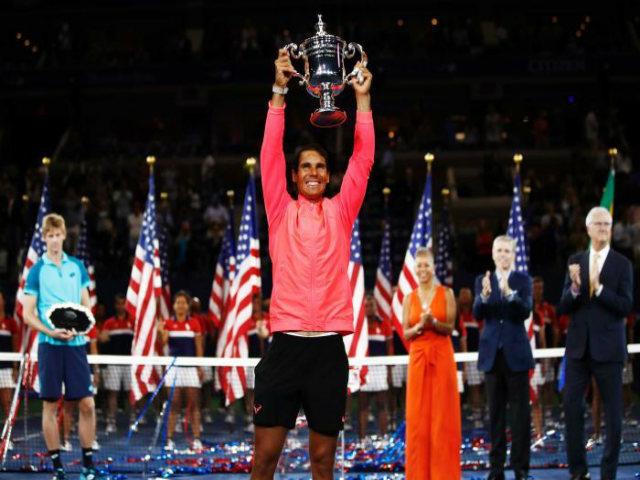 """Fan chê Nadal to mồm, mỹ nhân Sharapova """"đanh đá"""" bênh vực - 2"""