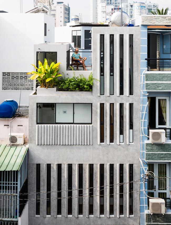 Ngôi nhà nằm trong một con hẻm nhỏ ở Thành phố Hồ Chí Minh.