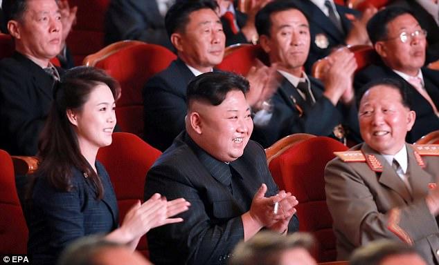 Vợ ông Kim Jong-un xuất hiện, ăn mừng vụ thử hạt nhân - 1