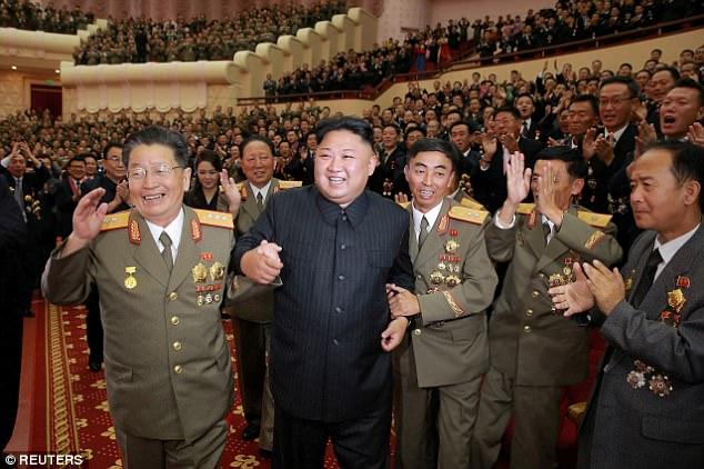 Vợ ông Kim Jong-un xuất hiện, ăn mừng vụ thử hạt nhân - 2