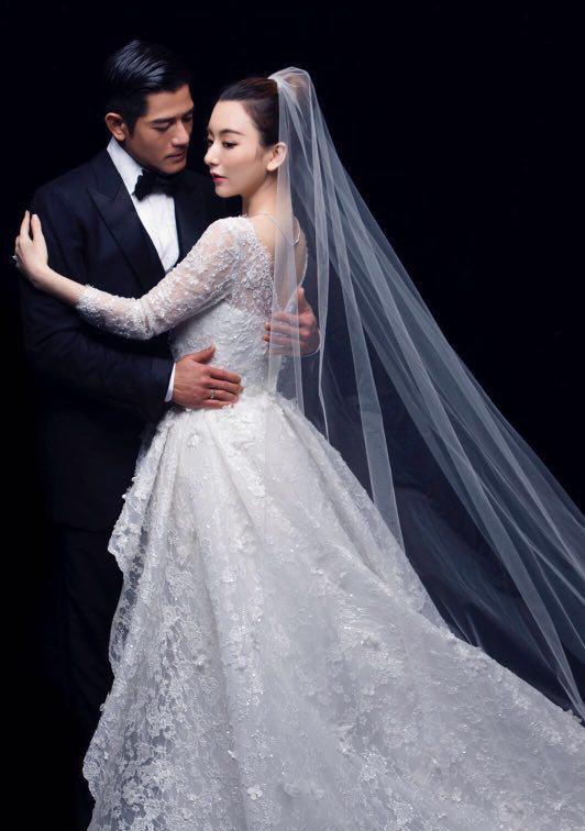 """Vợ đẹp kém 22 tuổi của """"Thiên Vương"""" Quách Phú Thành quá khêu gợi, nuột nà - 1"""