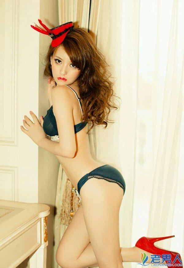 """Vợ đẹp kém 22 tuổi của """"Thiên Vương"""" Quách Phú Thành quá khêu gợi, nuột nà - 8"""