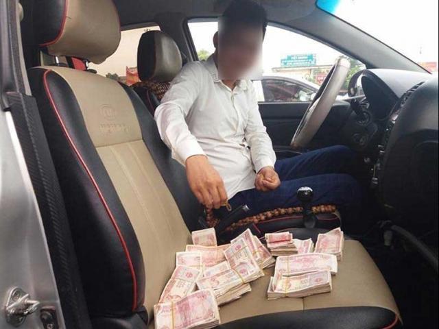 Dùng tiền lẻ trả phí quốc lộ 5: Công an hẹn làm việc với một DN
