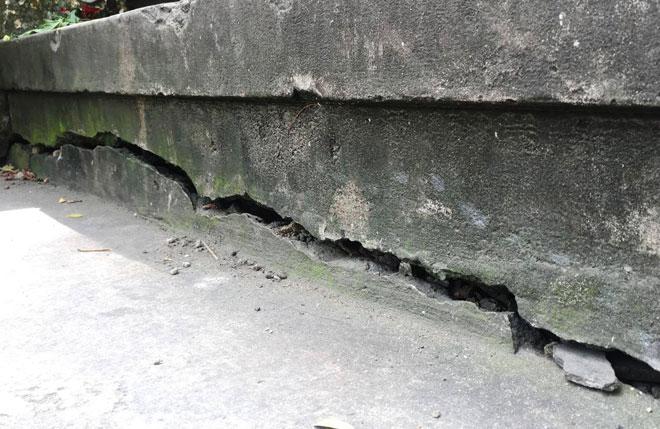 Chân cầu 125 tuổi do Pháp xây dựng ở Sài Gòn bị nứt - 1