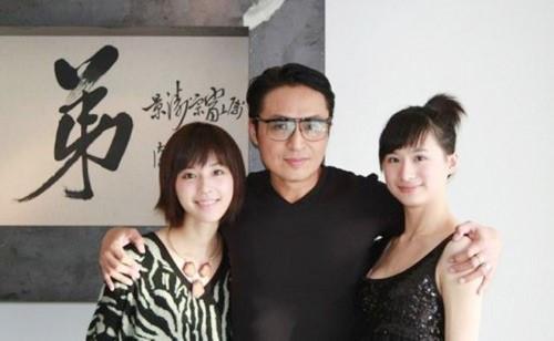 """Ca sĩ """"Người đến từ Triều Châu"""" hẹn hò gái trẻ kém 43 tuổi """"chưa là gì"""" với nhiều sao - 14"""