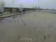 Thế giới - Nước bị siêu bão hút lên trời, biển Florida thành bãi cạn