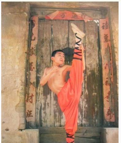 Ảnh hiếm thời niên thiếu của các sao võ thuật Trung Quốc - 10