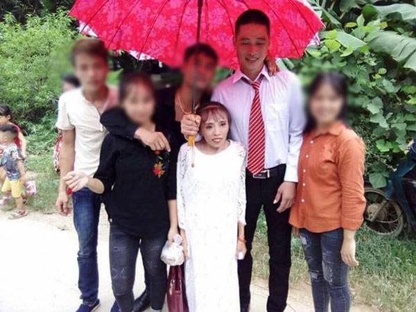 """Chú rể """"phi công trẻ"""" và cô dâu thấp còi ở Lạng Sơn """"gây bão"""" - 1"""