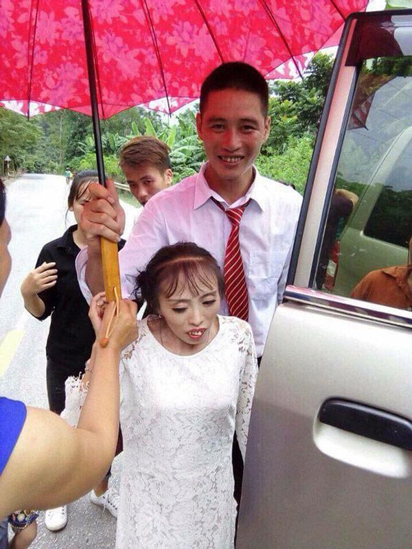 """Chú rể """"phi công trẻ"""" và cô dâu thấp còi ở Lạng Sơn """"gây bão"""" - 4"""