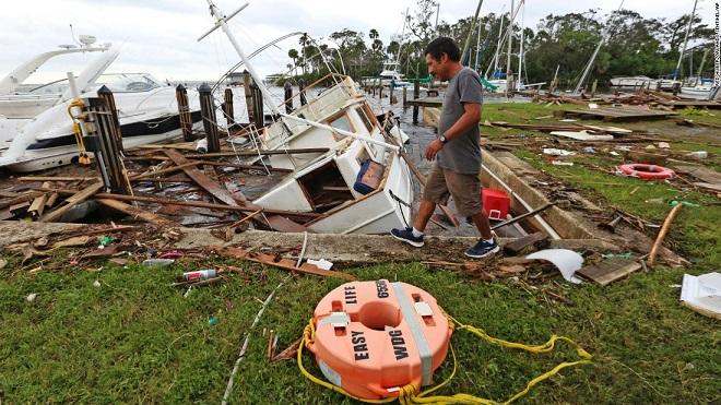 Florida tan hoang xơ xác sau khi siêu bão Irma càn quét - 2