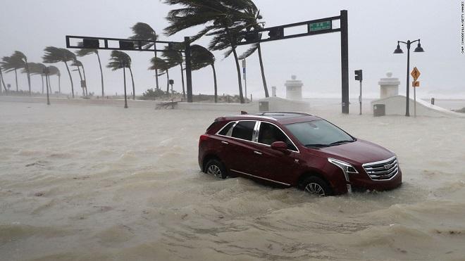Florida tan hoang xơ xác sau khi siêu bão Irma càn quét - 10