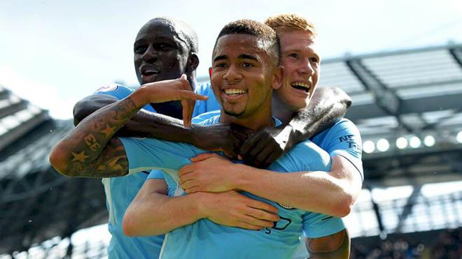 Tổng hợp Ngoại hạng Anh V4 rực lửa: MU bước hụt, Man City - Chelsea ra oai - 1