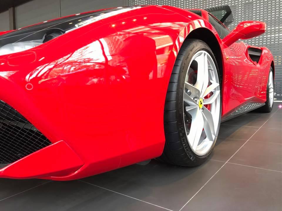 Tuấn Hưng khoe siêu xe Ferrari hơn 15 tỷ đồng khiến dân tình choáng - 2