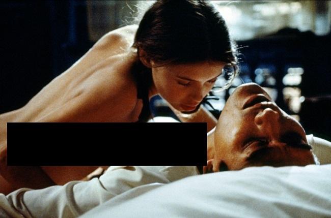 Nhắc tới dòng phim nghệ thuật cùng nhiều cảnh nóng, Người tình luôn là tượng đài cũng như một bộ phim kinh điển với khán giả. Phim có sự tham gia của tài tử Hong Kong Lương Gia Huy và nữ diễn viên Jane March, lấy bối cảnh tại Việt Nam.