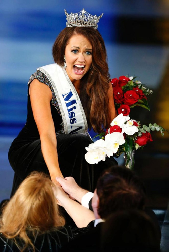 Thật bất ngờ, nữ chính trị gia đã đăng quang hoa hậu Mỹ - 3