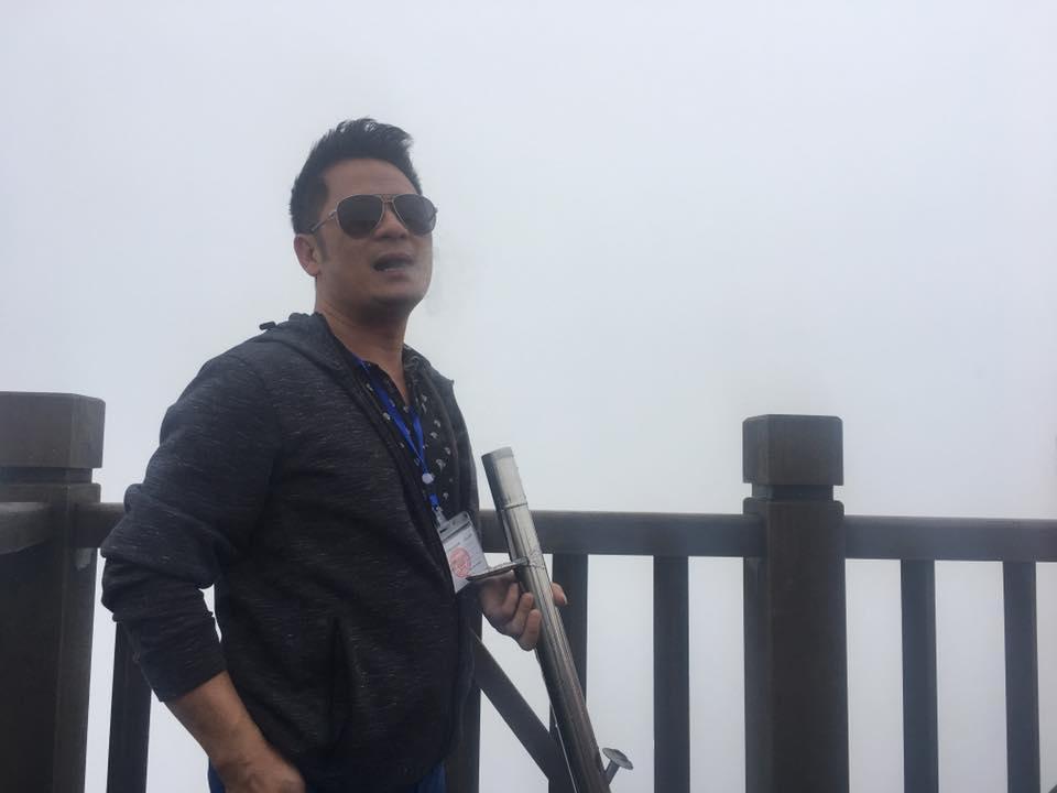 Sao Việt 13/9: Bằng Kiều mang điếu cày lên đỉnh Fansipan - 1