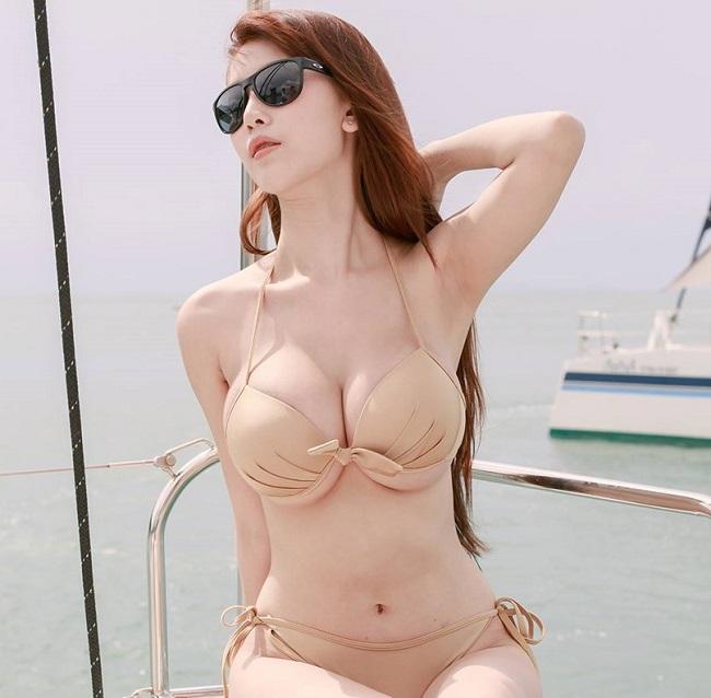 """Một người mẫu khác ở xứ sở chùa vàng là Alisa Rattanachawangkul cũng đã bắt kịp xu hướng  """" hot """" ."""