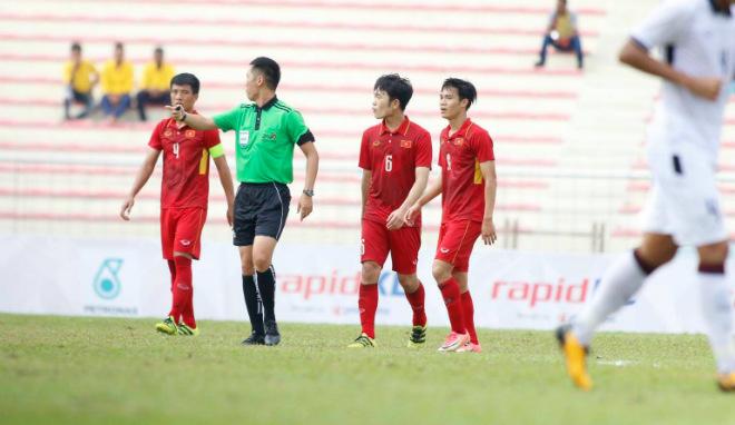 HLV Hữu Thắng bị chê non nớt, thiếu kinh nghiệm khiến U22 Việt Nam thất bại - 1